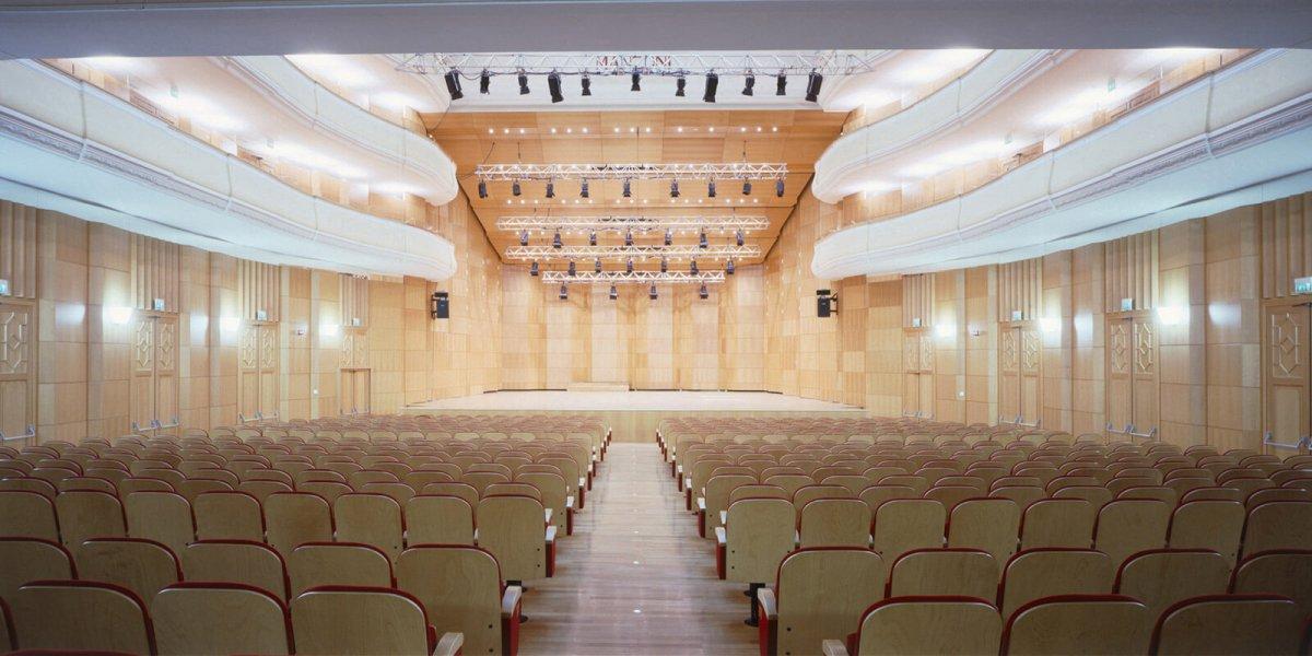 Teatro Manzoni, Bologna